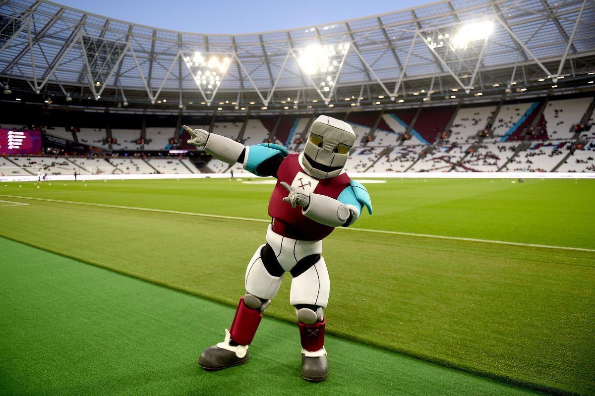 West Ham United v Bolton Wanderers - Carabao Cup - Third Round - London Stadium