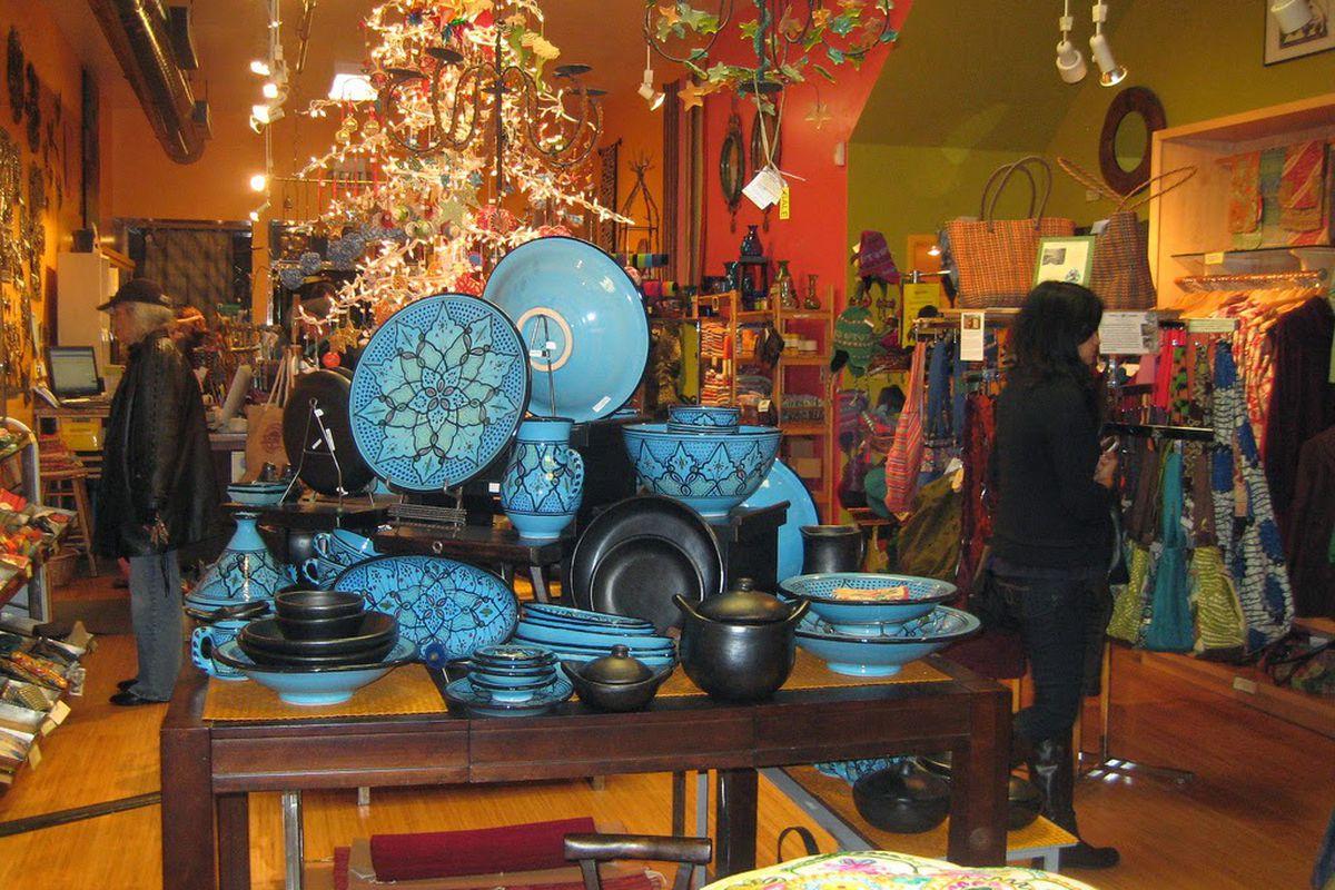 """Photo via <a href=""""http://noevalleysf.blogspot.com/2014/04/closing-global-exchange-fair-trade.html"""">Noe Valley SF</a>"""