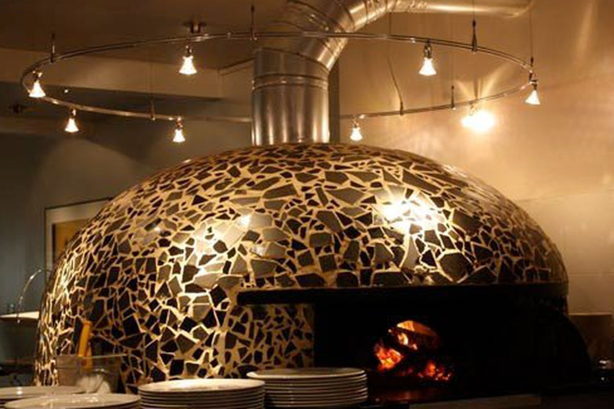 Il Canale's oven