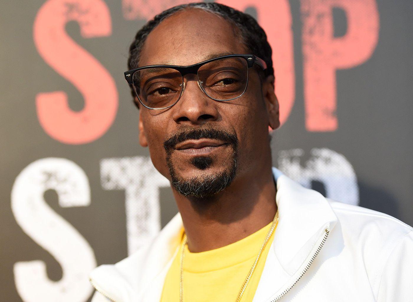 Snoop Dogg Admits His True Feelings About Eminem Revolt