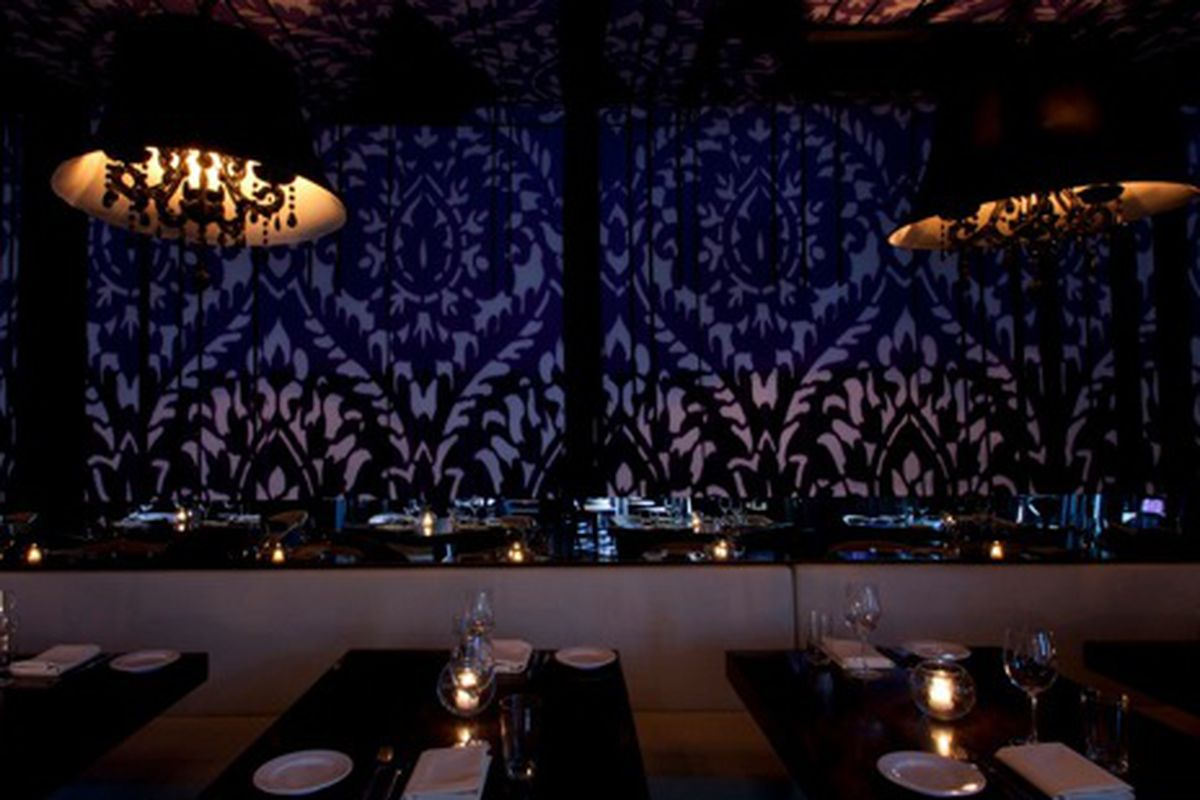 The dining room at STK Los Angeles