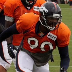 Broncos addition Shaun Phillips looking tough and quick in d-line drills