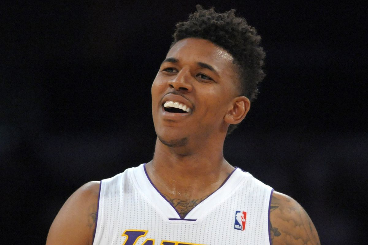 Lakers Sg Nick Young Injures Thumb Out 6 8 Weeks Conquest Chronicles