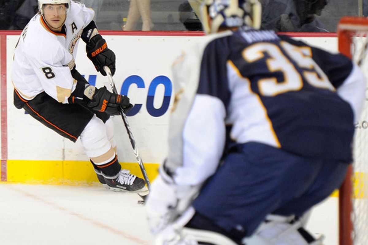 NASHVILLE, TN - OCTOBER 09:  Anaheim Ducks right wing Teemu Selane #8 skates towards Nashville Predators goalie Pekka Rinne #35 on October 9, 2010 in Nashville, Tennessee.  (Photo by Frederick Breedon/Getty Images)