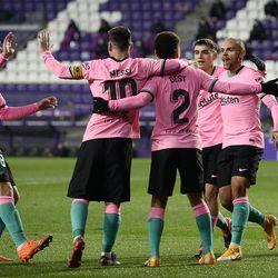 Barca celebrate Braithwaite's goal