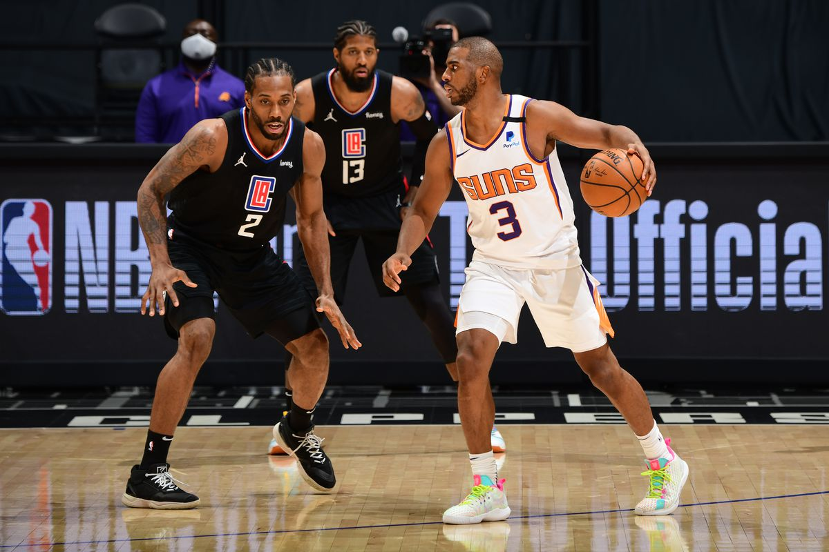 Phoenix Suns v LA Clippers