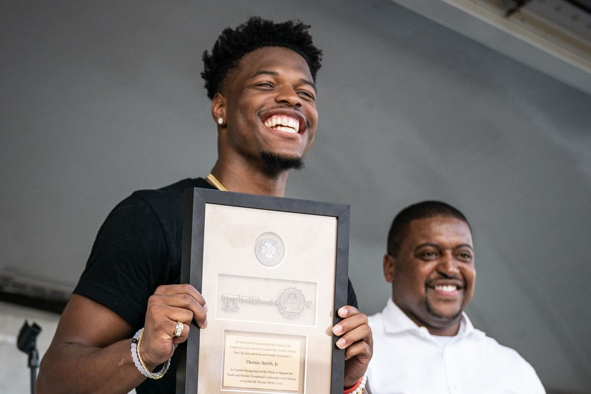 Knicks Notes, 8/8/19: Dennis Smith Jr. honored with key to hometown
