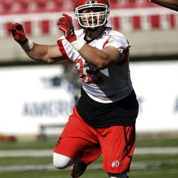 Utah Utes tight end Jake Murphy (82) tries to catch in the first spring football practice in Salt Lake City  Tuesday, March 20, 2012.