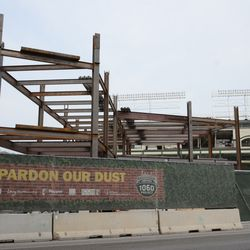 5:07 p.m. Another view of the triangle lot structure, seen from Clark Street -