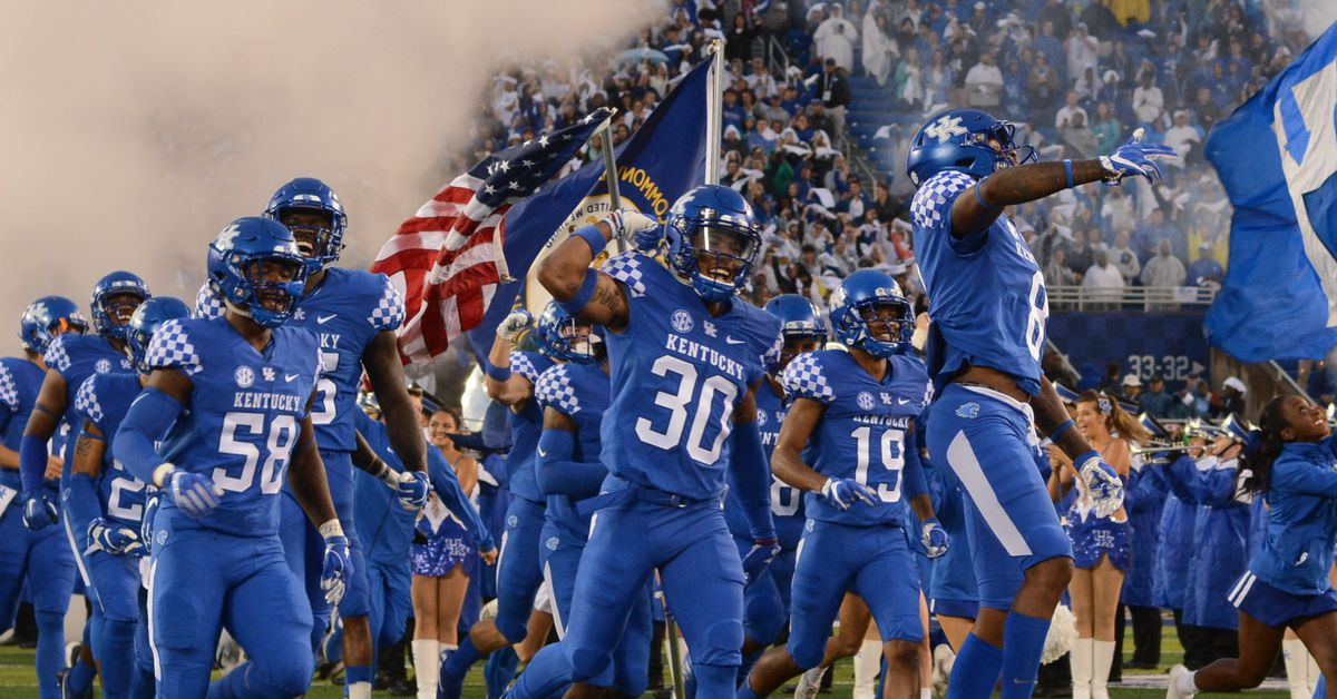 College Football Bowl Projections: Week 7 - A Sea Of Blue