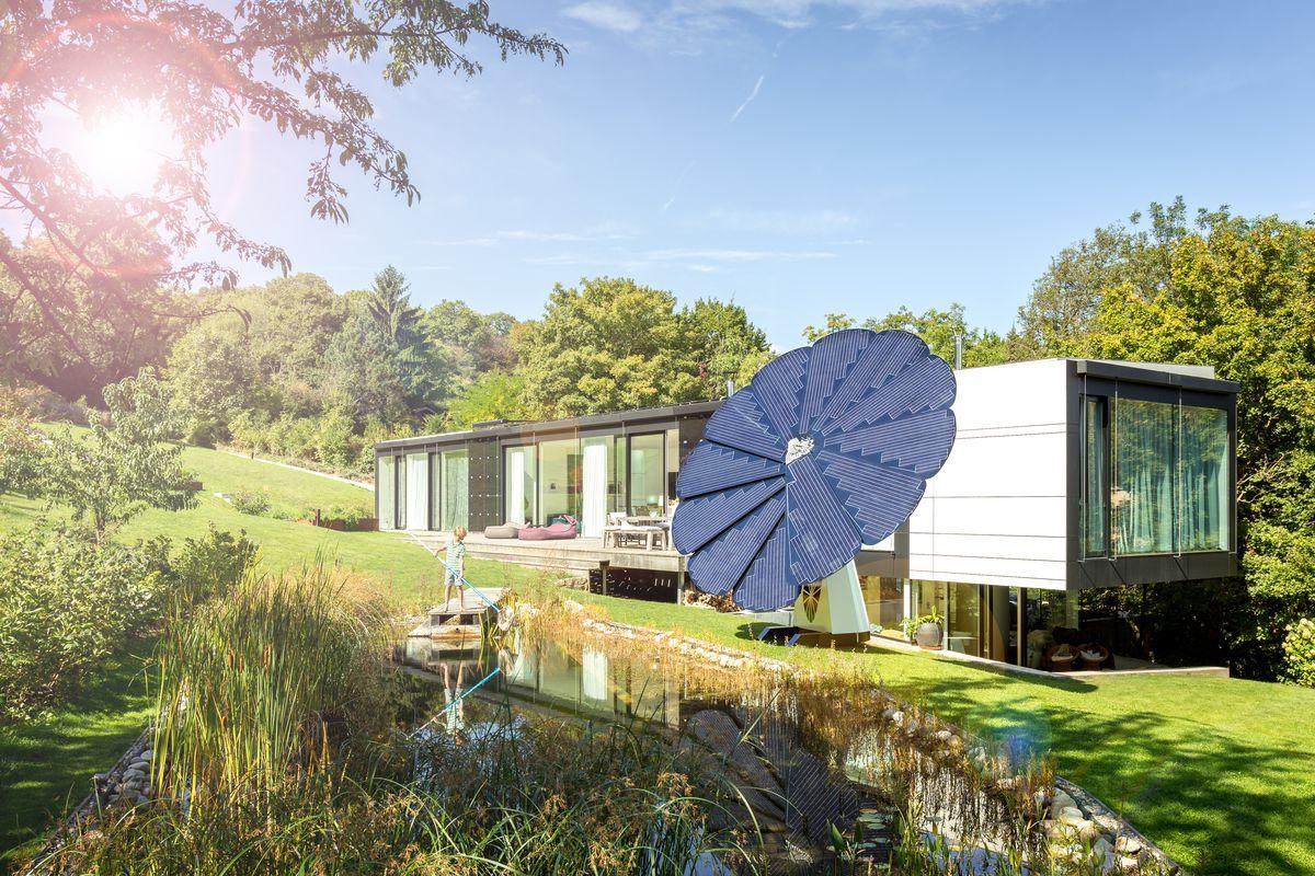 Flower-shaped solar panel follows the sun - Curbed