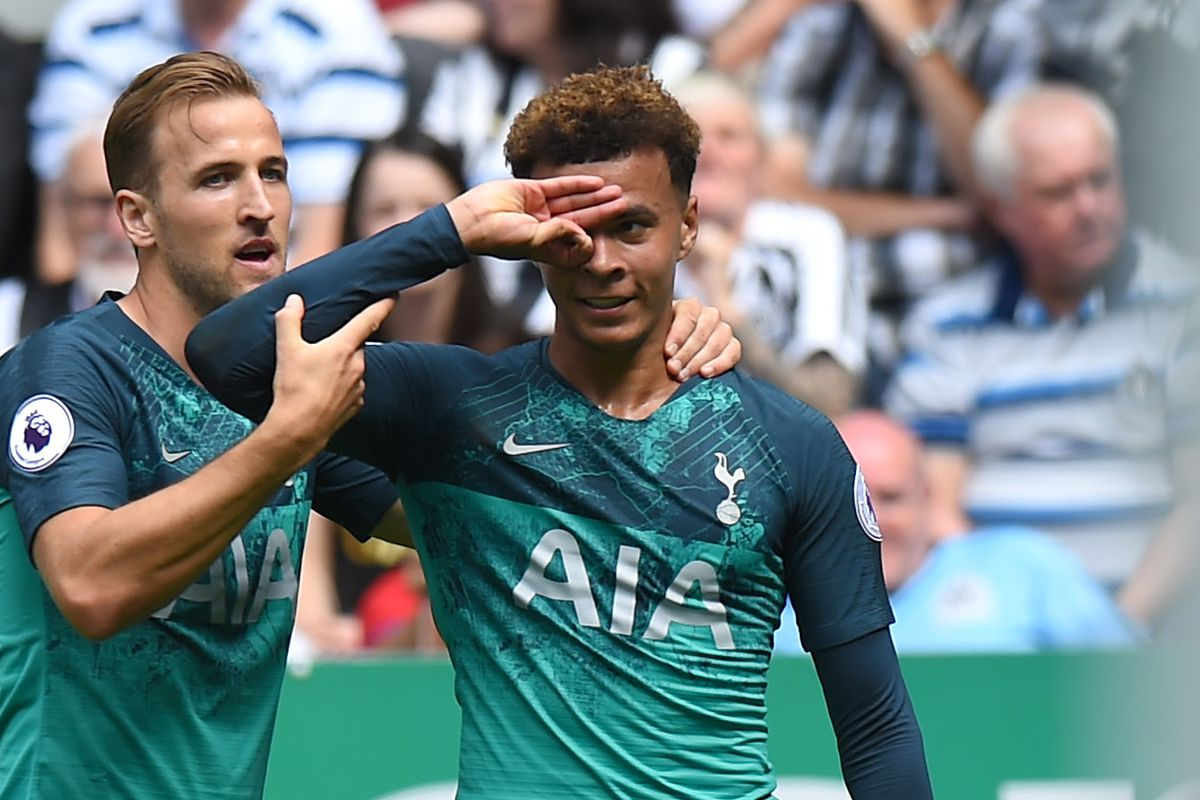 mousa dembele has the perfect response to the dele celebration