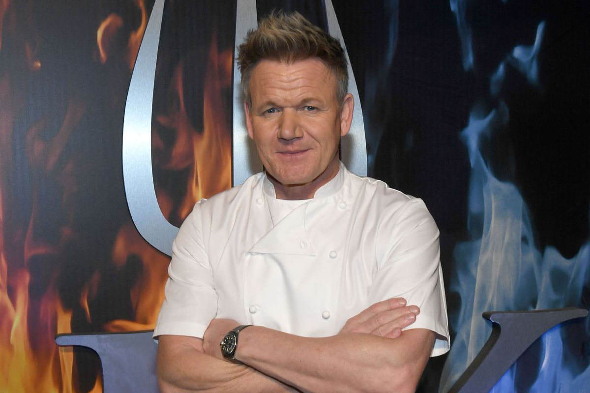 Terrific Gordon Ramsay Opening Hells Kitchen Restaurant In South Home Interior And Landscaping Ologienasavecom