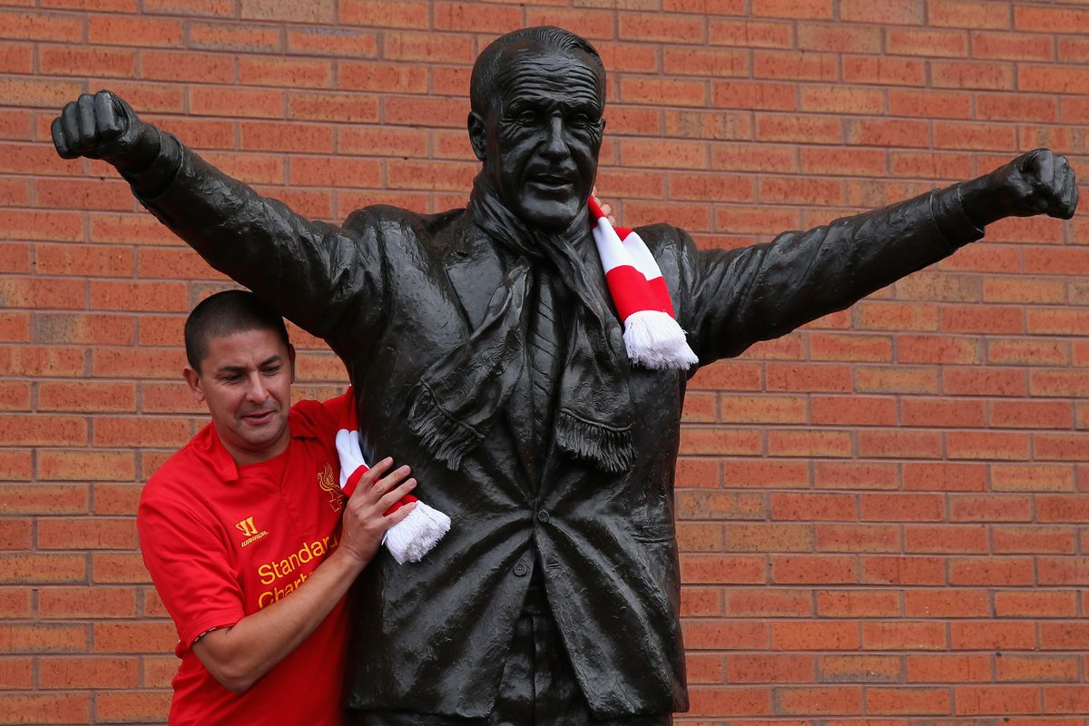 There is nothing better than people posing with this statue.
