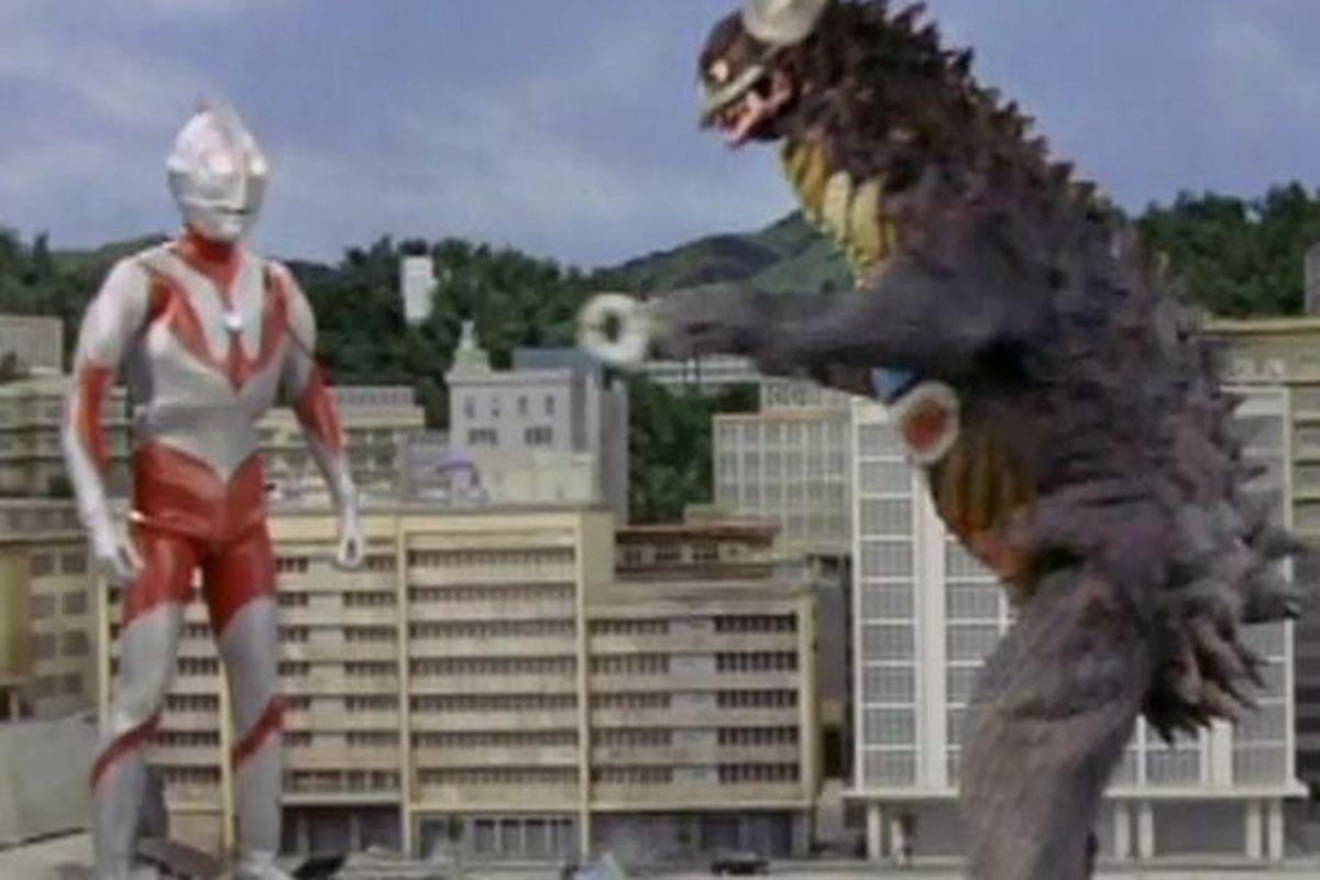 """via <a href=""""http://upload.wikimedia.org/wikipedia/en/9/9b/Ultraman_gyango_ruffian_from_outerspace_19660925.JPG"""">upload.wikimedia.org</a>"""