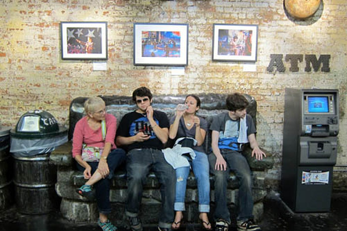 """Tourists at Chelsea Market via <a href=""""http://www.flickr.com/photos/62159569@N08/6239730100/in/pool-312691@N20/"""">Scoboco</a>/Racked Flickr Pool. Want to contribute? Join <a href=""""http://www.flickr.com/groups/rackedny/pool/with/6239730100/"""">here</a>"""