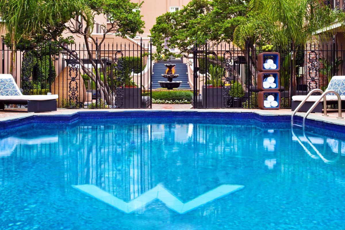 New Orleans Hotels >> Two New Orleans Hotels Offer Local Admission To Pool