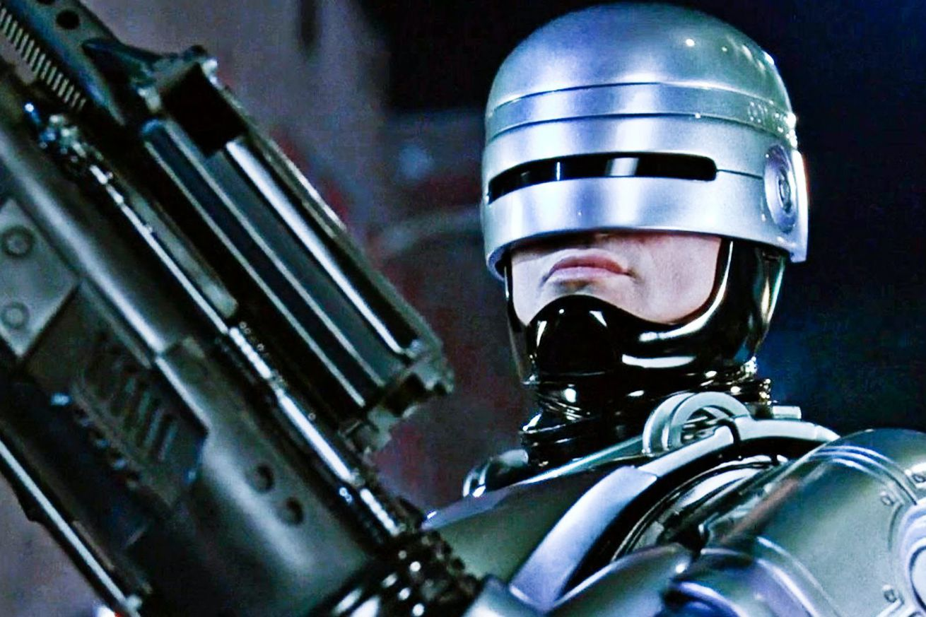 robocop is coming back again this time from district 9 director neill blomkamp