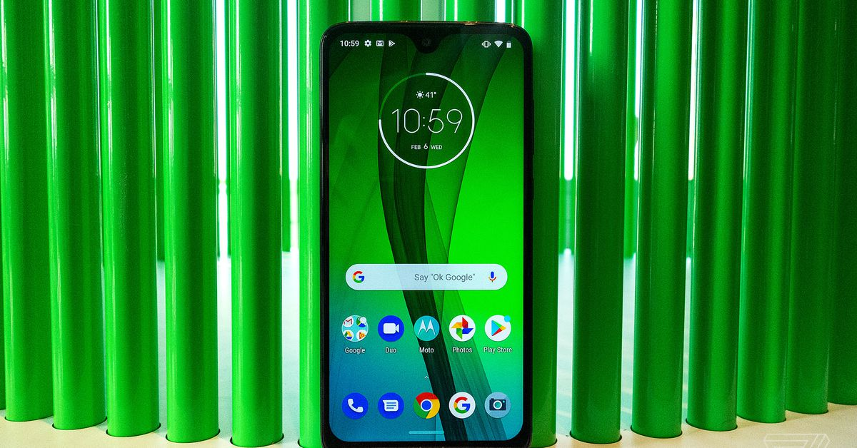 Moto G7, Power and Play: smaller bezels on a budget