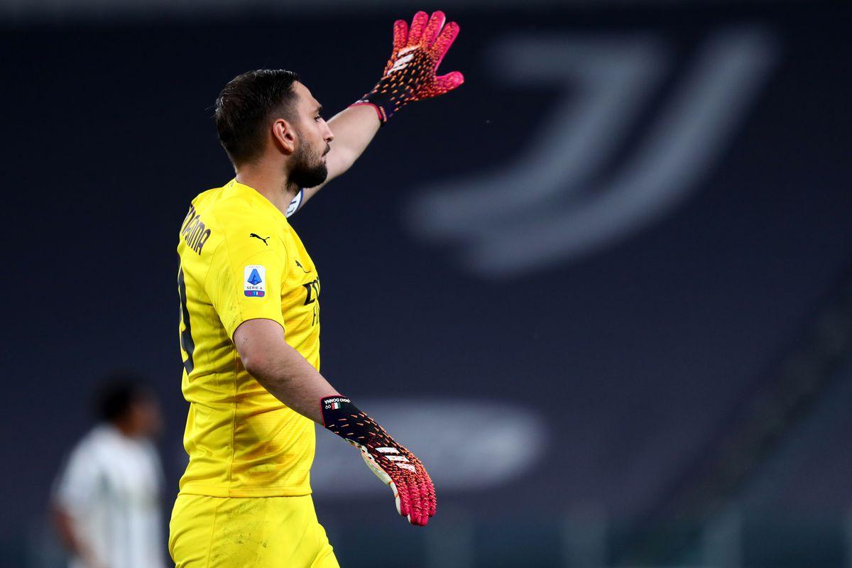 Gianluigi Donnarumma of Ac Milan gestures during the Serie...