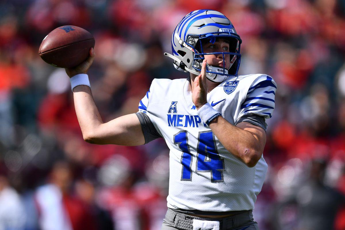 NCAA Football: Memphis at Temple