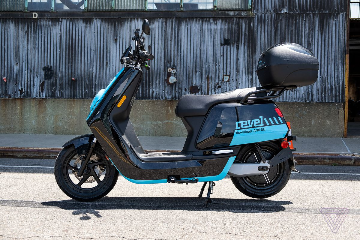 Revel S Electric Mopeds Return To Nyc With New In App Safety Test And Mandatory Helmet Selfies The Verge
