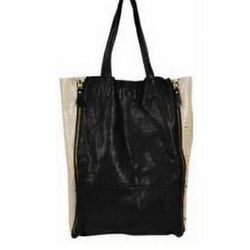 """For commuting in this unbearable heat, all ladies deserve some kind of reward, like this <a href=""""http://www.scarlettalley.com/catalog/ProductDisplay.cfm?id=362646&cid=396"""">Monserat De Luca Calla Tote</a> ($249.95) from Scarlett Alley. Classic, chic, soft"""