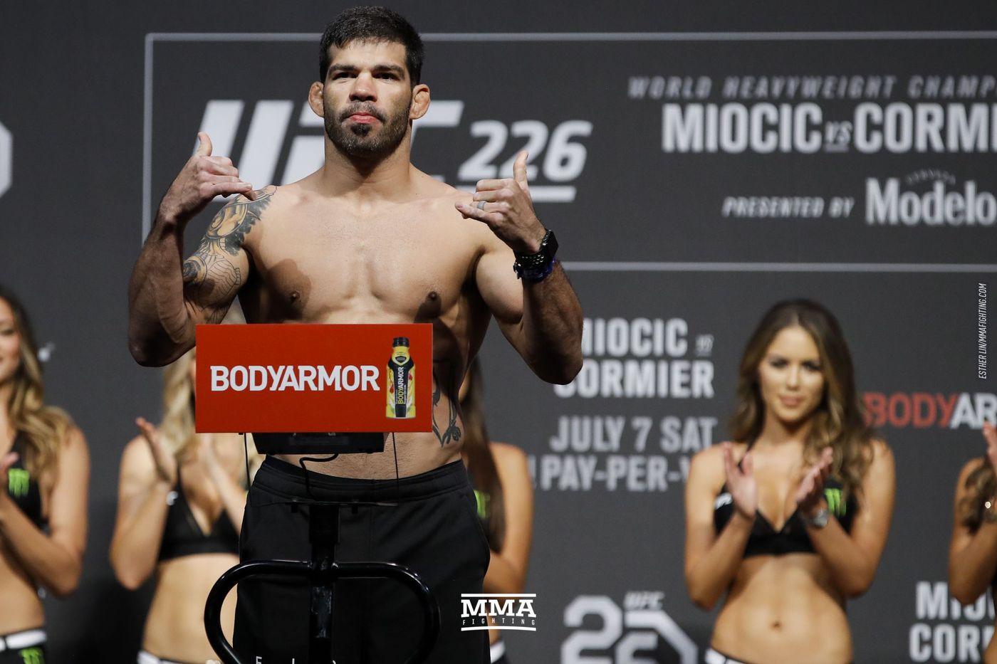 Raphael Assuncao vs. Raoni Barcelos set for UFC event on Feb. 27 - MMA Fighting