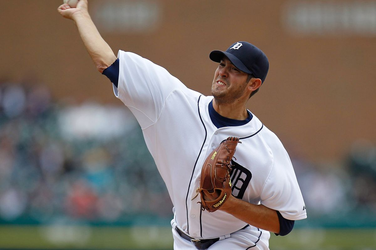 DETROIT, MI - APRIL 26: Rick Porcello #48 of the Detroit Tigers throws a fthir dinning pitch while playing the Seattle Mariners at Comerica Park on April 26, 2012 in Detroit, Michigan.  (Photo by Gregory Shamus/Getty Images)