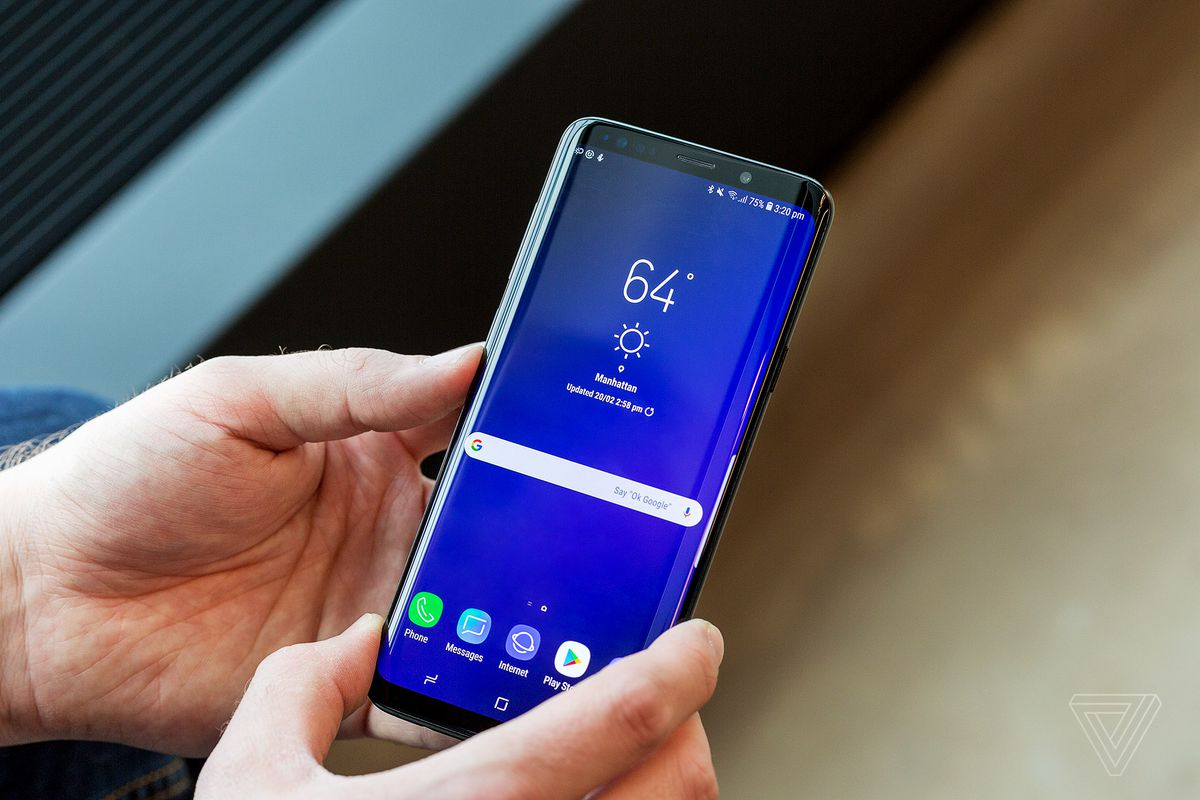 Microsoft is now selling Samsung's Galaxy S9, without any Microsoft