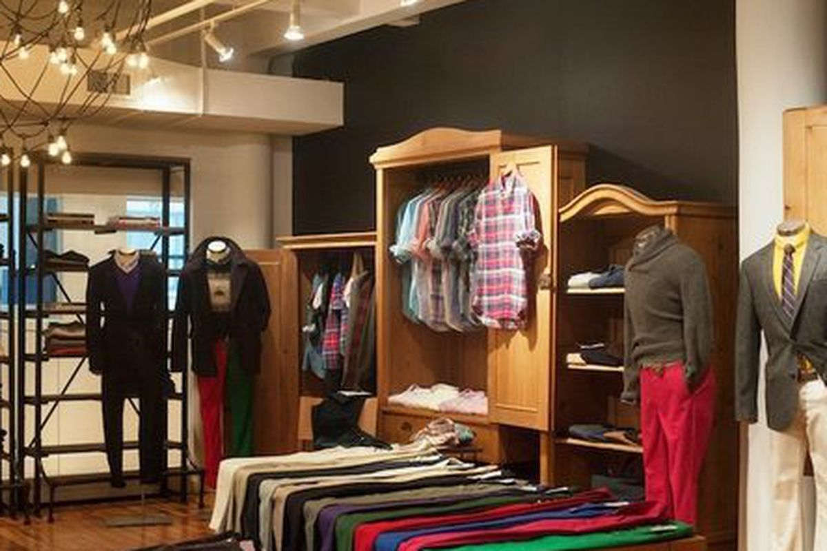 """Bonobos' New York """"guideroom,"""" via <a href=""""http://ny.racked.com/archives/2012/06/29/inside_the_bonobos_guideshop_where_beer_and_chinos_await.php"""">Racked NY</a>"""