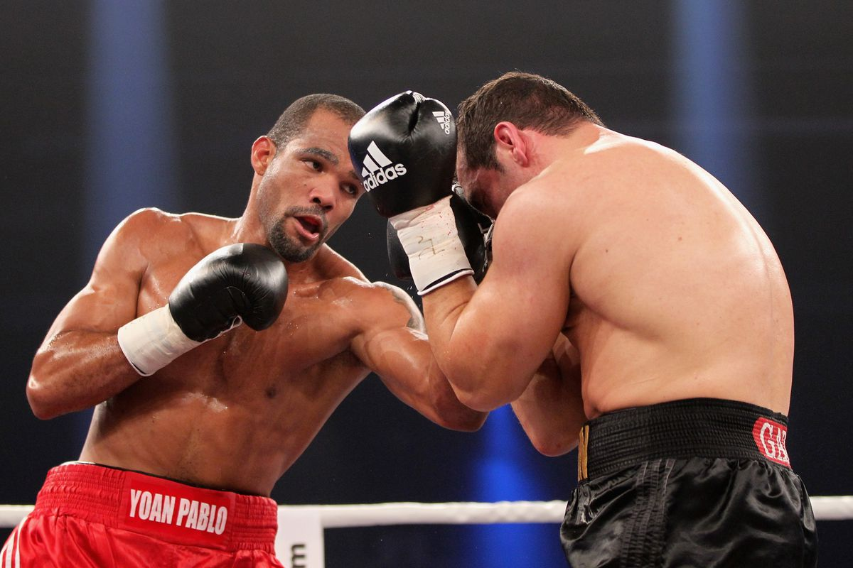 Hernandez in his fight with Firat Arslan