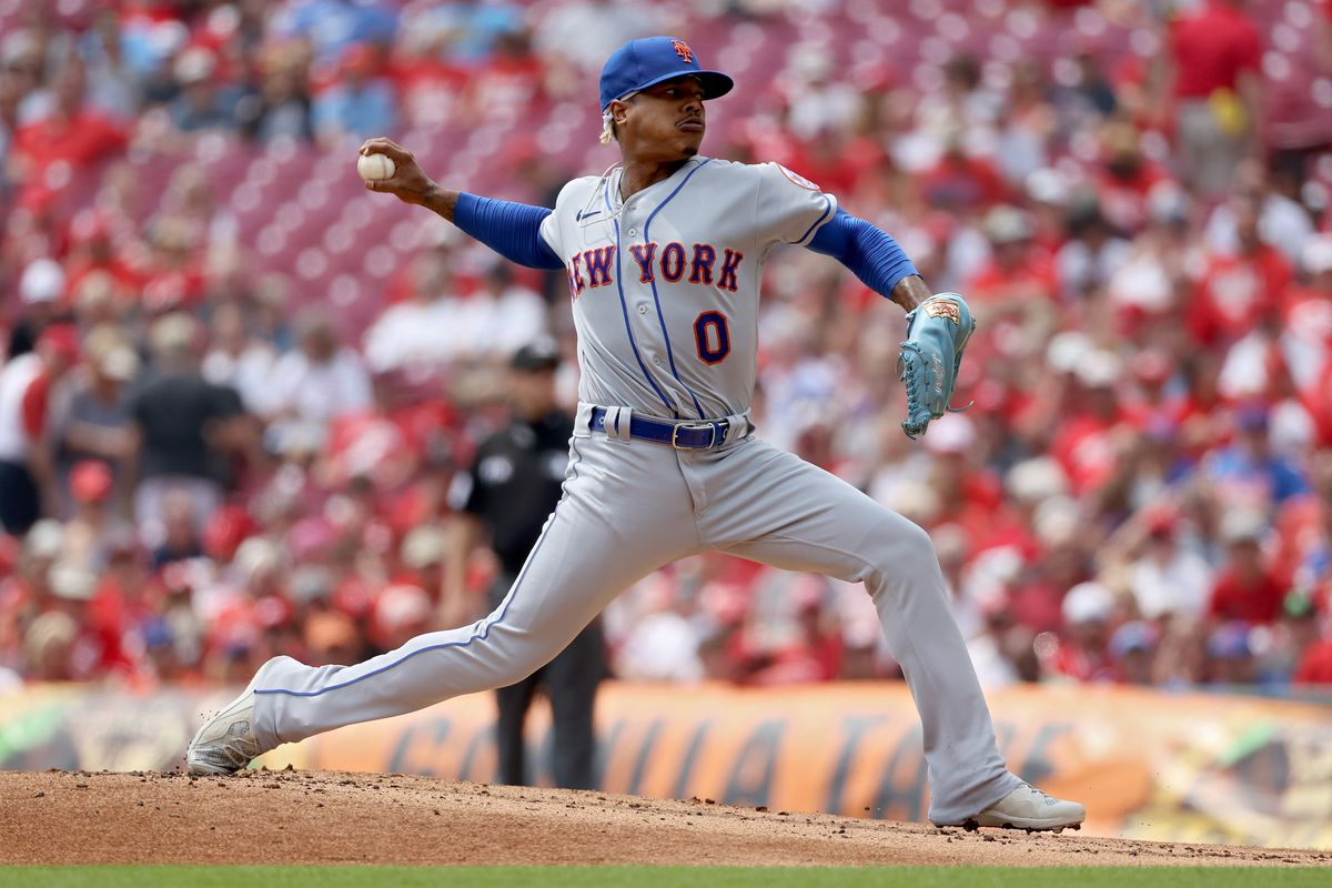 Marcus Stroman #0 of the New York Mets pitches in the first inning against the Cincinnati Reds at Great American Ball Park on July 21, 2021 in Cincinnati, Ohio.