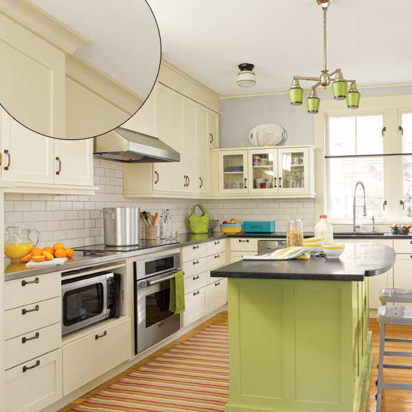 Early American Trim in Kitchen