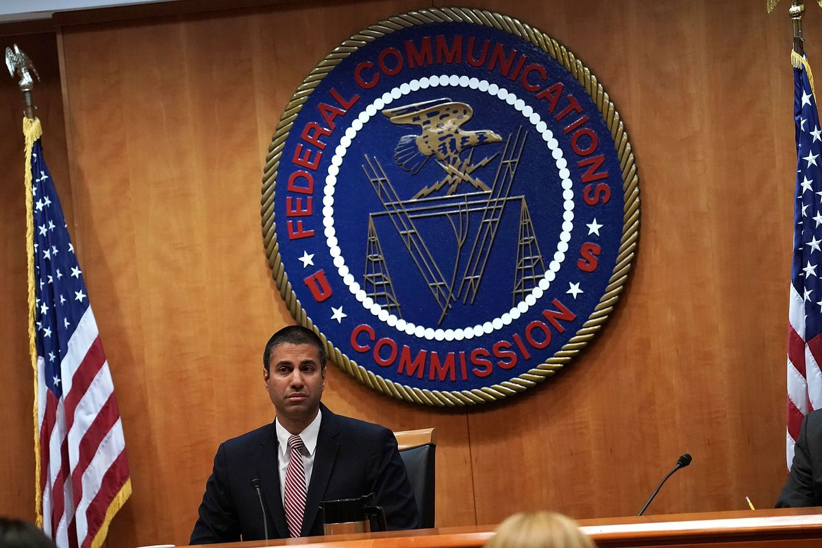 FCC votes along party lines to end 'net neutrality'