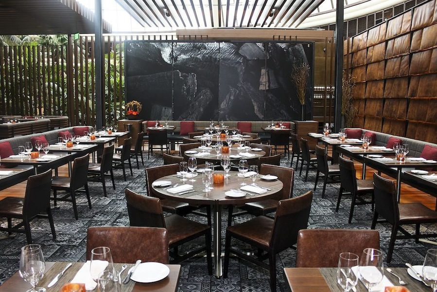 Peering inside the rustic tom colicchio 39 s heritage steak for Best private dining rooms twin cities