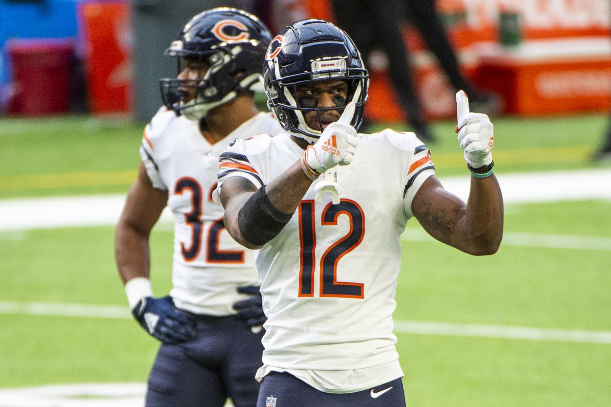 Allen Robinson #12 of the Chicago Bears gives a thumbs up to the sidelines in the second quarter of the game against the Minnesota Vikings at U.S. Bank Stadium on December 20, 2020 in Minneapolis, Minnesota.