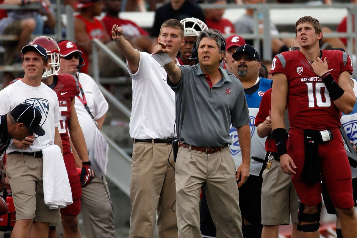 Mike Leach and the Cougars trying to figure out where the endzone is located in Martin Stadium.