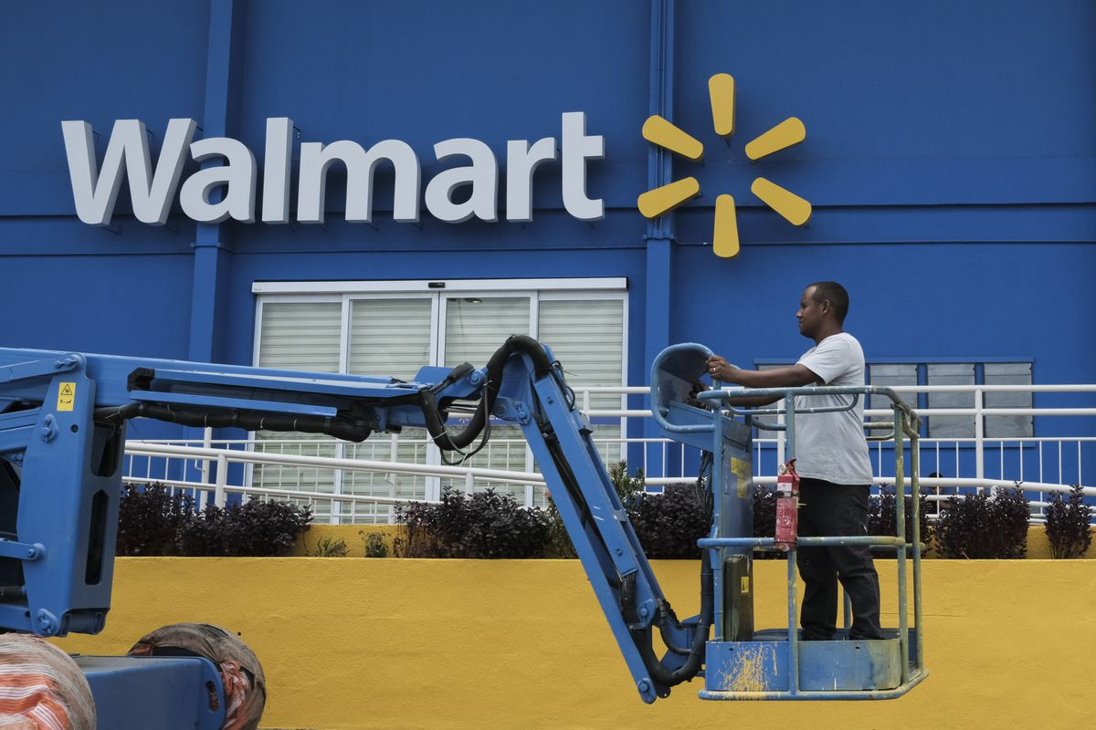 Walmart says it's raising wages thanks to the GOP tax plan - Vox