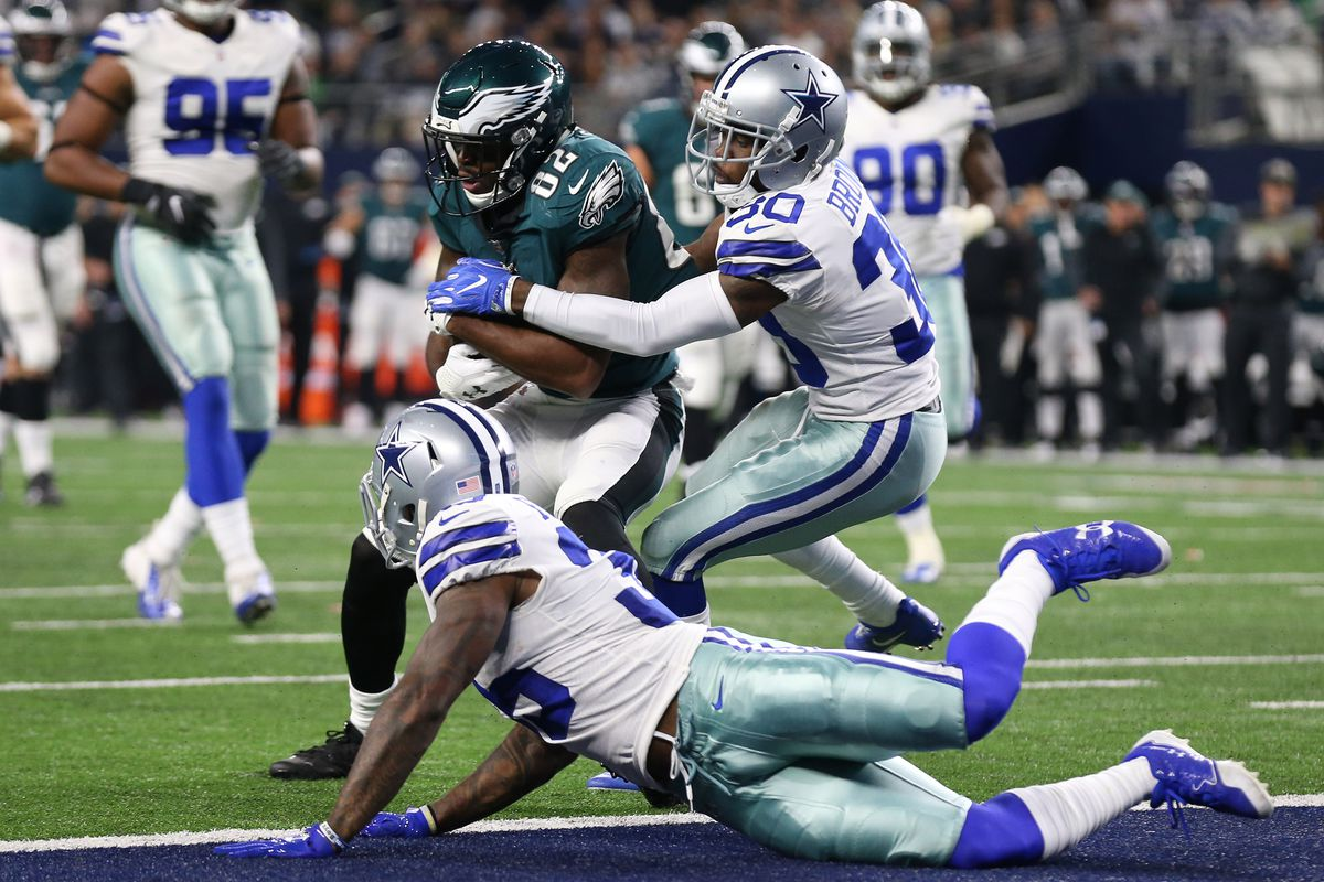 The Philadelphia Eagles 132 led by quarterback Nick Foles wide receiver Alshon Jeffery and tight end Zach Ertz met the Dallas Cowboys at Lincoln