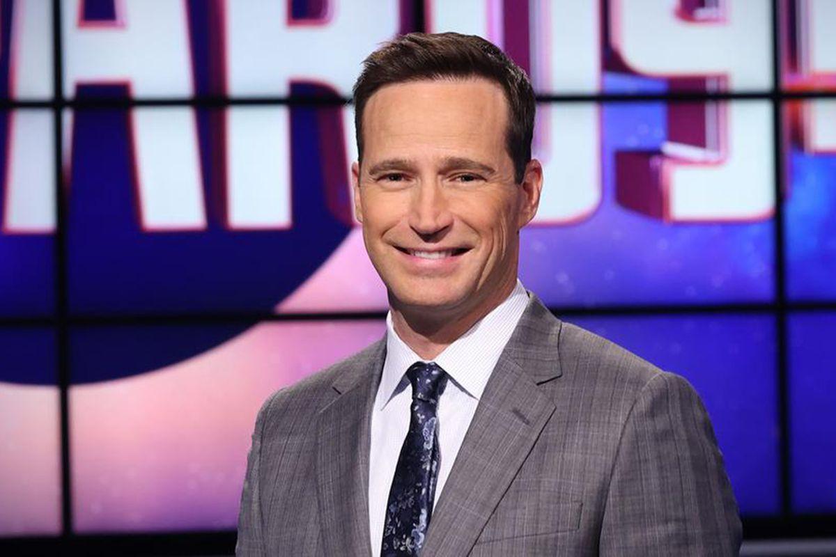 Michael Richards as Jeopardy! host