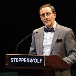 Steppenwolf Theatre executive director David Schmitz speaks during a presentation unveiling plans for a campus expansion and new theater building on Halsted Street, Tuesday, March 5, 2019. | Ashlee Rezin/Sun-Times