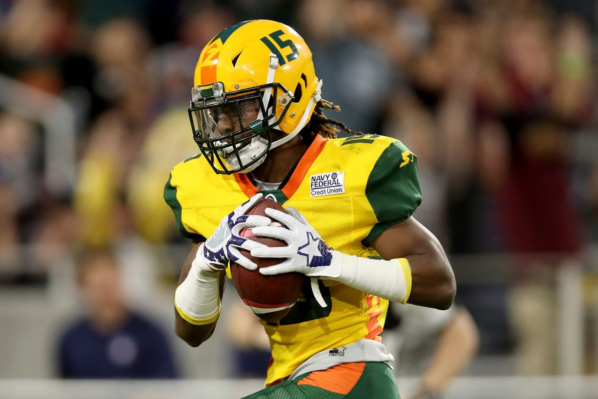 Rashad Ross #15 of the Arizona Hotshots makes a catch in the third quarter against the San Antonio Commanders during the Alliance of American Football game at Sun Devil Stadium on March 10, 2019 in Tempe, Arizona.