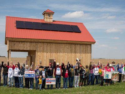 To fight Keystone XL pipeline, activists placing solar panels in its path