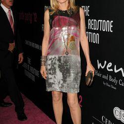 Host Michelle Pfeiffer