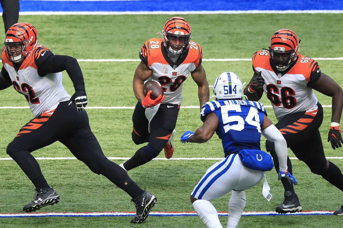 Joe Mixon #28 of the Cincinnati Bengals against the Indianapolis Colts at Lucas Oil Stadium on October 18, 2020 in Indianapolis, Indiana.