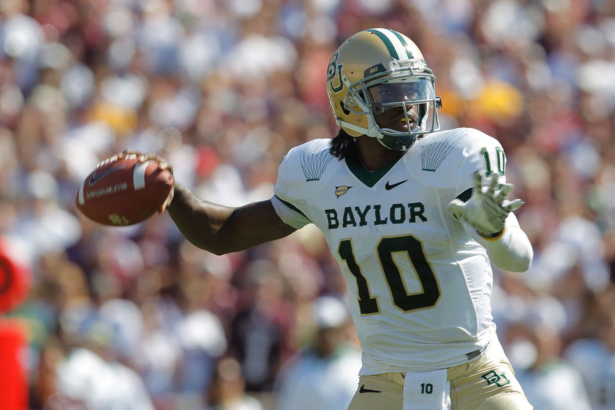 COLLEGE STATION, TX - OCTOBER 15: Robert Griffin III #10 of the Baylor Bears passes during a game against the Texas A&M Aggies at Kyle Field on October 15, 2011 in College Station, Texas.  (Photo by Sarah Glenn/Getty Images)