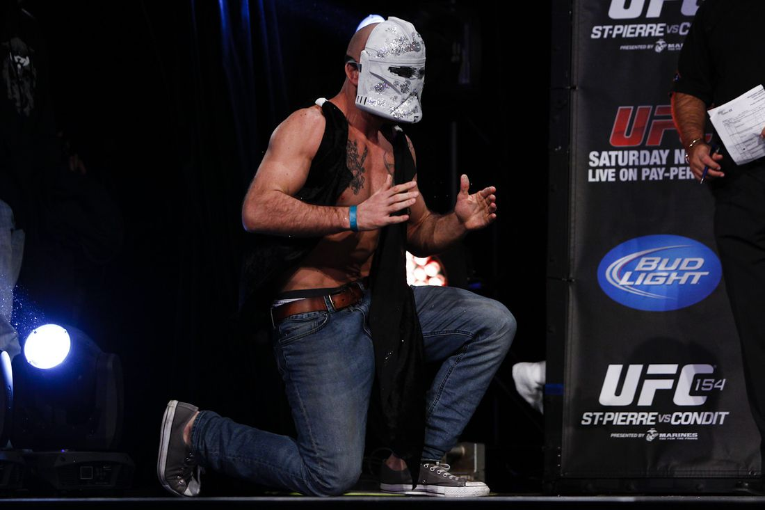 Gallery Photo: UFC 154 Weigh-in Photos