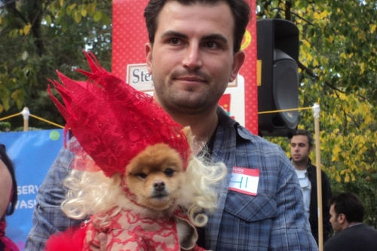"""Image via <a href=""""http://www.dnainfo.com/20111023/lower-east-side-east-village/halloween-is-for-dogs-at-tompkins-square-park"""">DNAinfo</a>"""