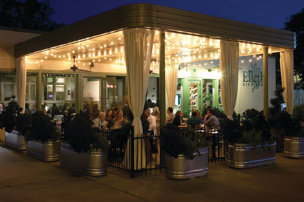 The patio at Ellerbe Fine Foods in Fort Worth.